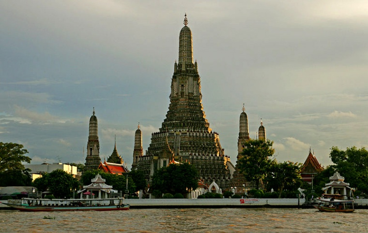 Wat Arun, aut. G Meyer