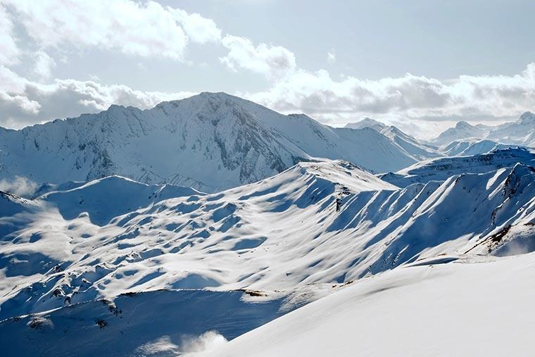 Austriackie Alpy. Ischgl, Paznauntal w Tyrolu.