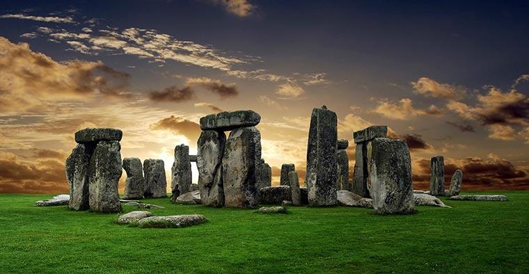 Stonehenge o zachodzie słońca, Anglia