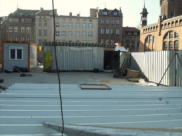 Plac Dominikański, Gdańsk, prace nad refektarzem klasztoru Dominikanów