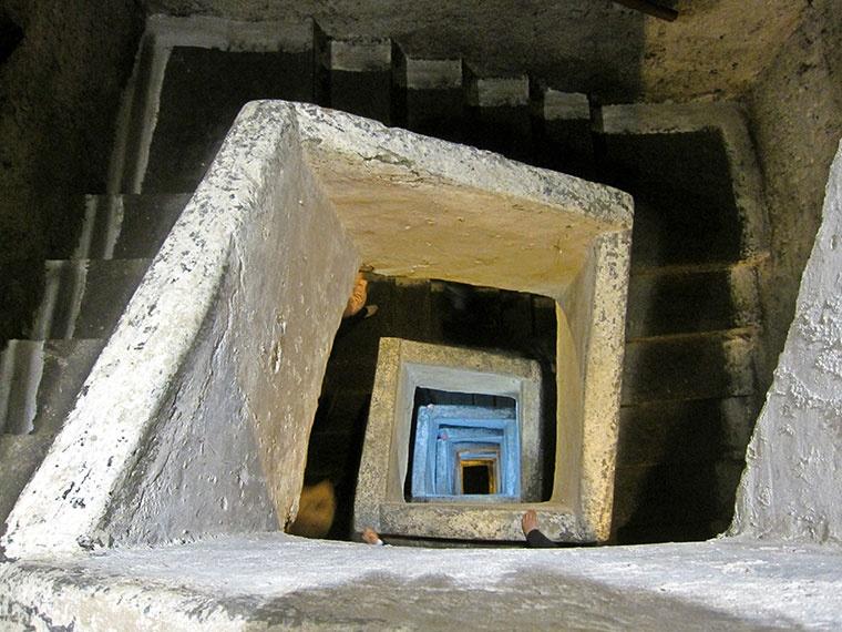 Podziemny Neapol