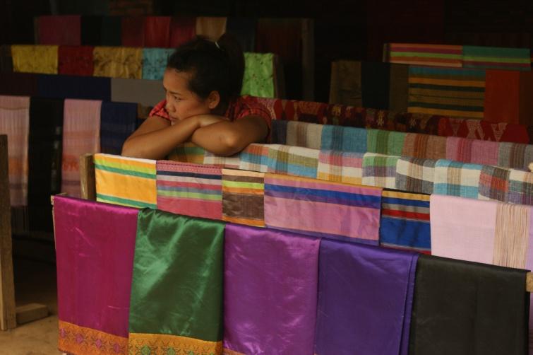 sklep z tkaninami  - Migawka z Laosu - Laos