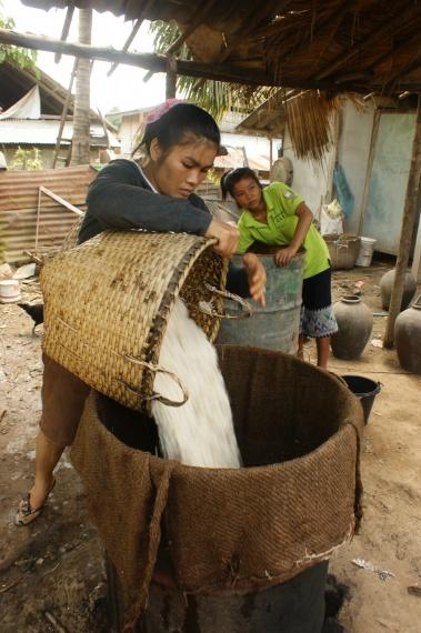 produkcja whisky - Migawka z Laosu - Laos